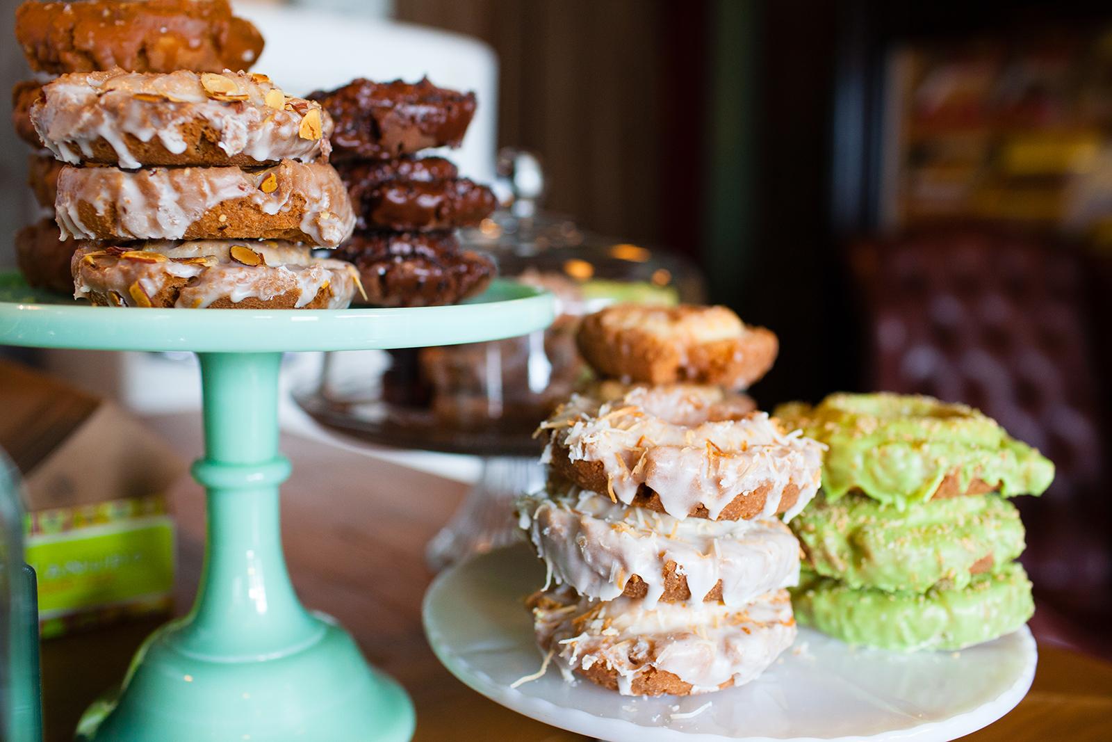 donut trays